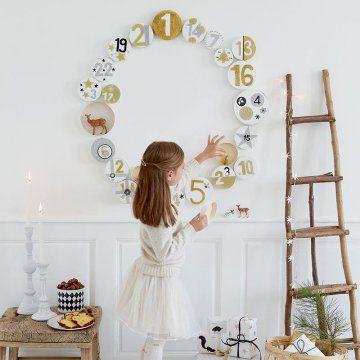 Fabriquer un calendrier de l'avent en forme de couronne / Wreath-shaped Advent calendar