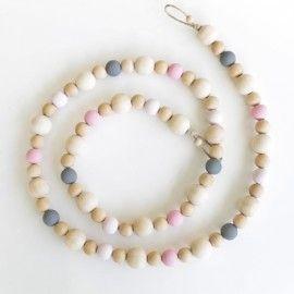 Guirlande en perles de bois Charlotte 31€