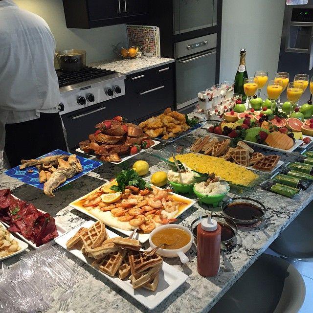 Potatoes, eggs, turkey bacon, waffles, fish, chicken, French toast, yogurt, fruit, shrimp, grits, granola bars, and mimosas @breakfastboutiqueissounique ,brunch.