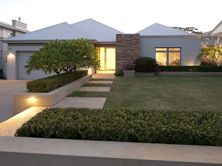 Modern garden design using grass with verandah & decorative lighting - Gardens photo 111859