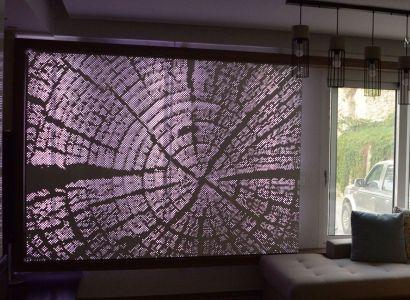 ΕΠΕΝΔΥΣΗ ΤΟΙΧΟΥ ΜΕ ΦΩΤΙΣΜΟ  Wall covering made of perforated aluminium. Innovative Architectural Products. Life is in the details. www.metalaxi.com