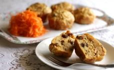 These healthy lunch box muffins are a little bit savoury, but sweetened naturally with the addition of grated apple and sultanas.