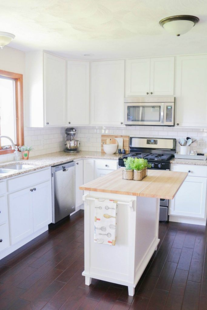 How to line your kitchen cabinets - easily!  #rollontheclean