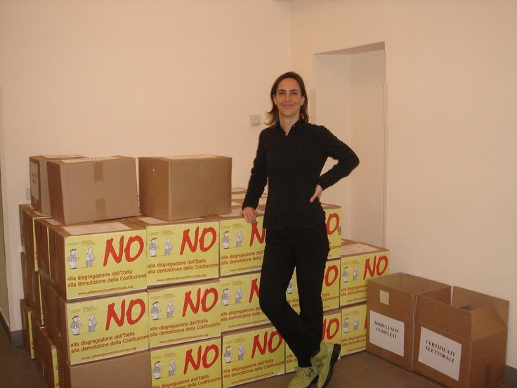 Io e gli scatoloni con le firme da portare in Cassazione  Roma, 2006