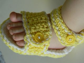 Thursday's Handmade Love Week 70 Theme: Sandals Includes links to #free #crochet patterns Dscn2484_small2