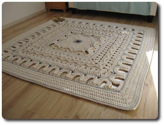 Crochê Gráfico: Tapete grande quadrado em crochê