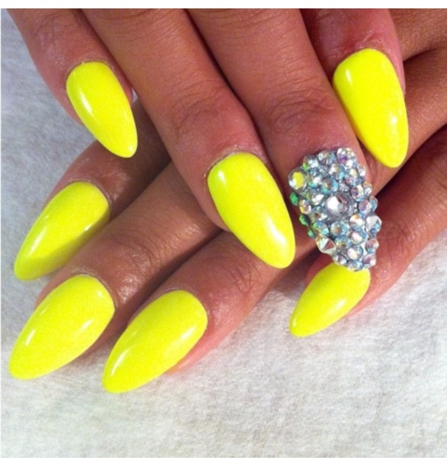Neon yellow nails with some sparkle - 25+ Unique Neon Yellow Nails Ideas On Pinterest DIY Yellow Nails