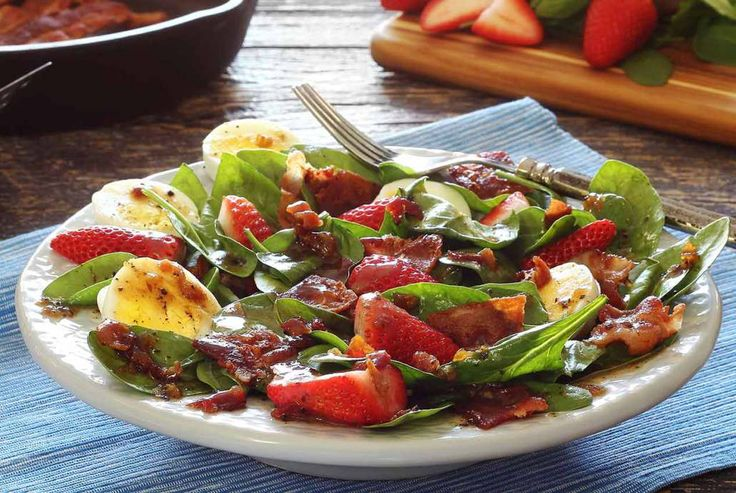 Paleo Warm Bacon Dressing Over Spinach Salad | Recipe | Bacon, Spinach ...