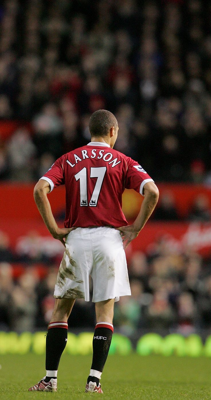 Henrik Larsson was a surprise mid-season signing for @manutd when he arrived on a short-term loan deal in 2007. His time at Old Trafford was a successful one with the Swede scoring three important goals.