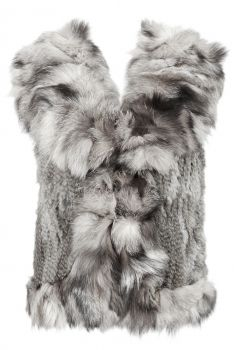 Fur vest with foxcollar from Maclauren at monroeworld.se. The vest has no lining which makes it perfect as a shell over a leather jacket or a thicker sweater. The vest is also perfect as an inner vest over a thin sweater or blouse. #monroeworld