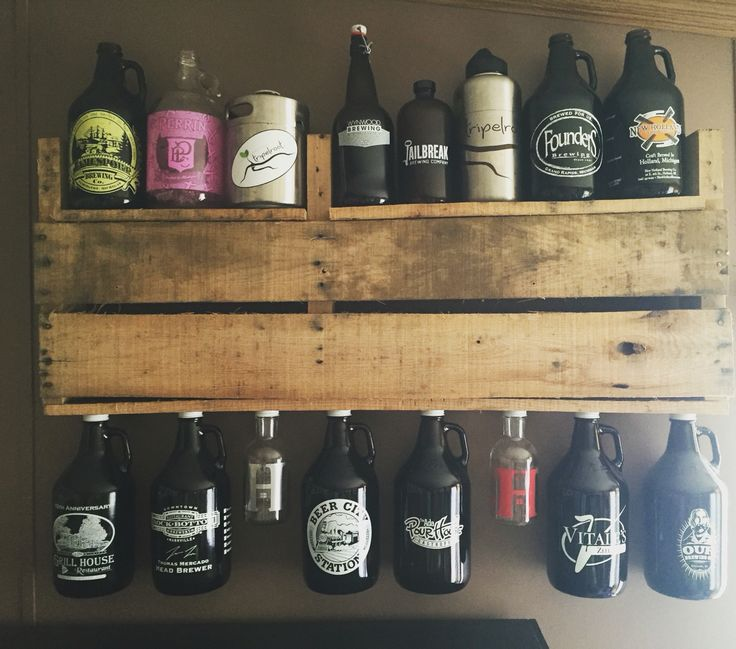 Pallet beer growler shelf