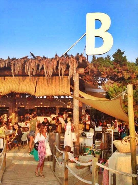 Linea R: Beso Beach Formentera