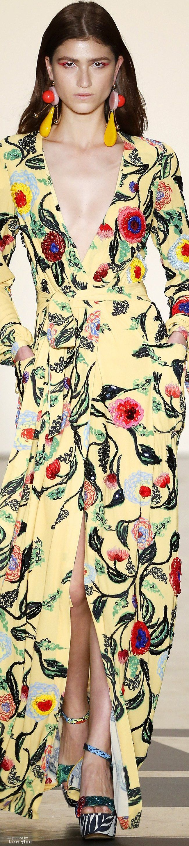 """PatBo Spring 2017 RTW  ❤❦♪♫Thanks, Pinterest Pinners, for stopping by, viewing, re-pinning, & following my boards. Have a beautiful day! ^..^ and """"Feel free to share on Pinterest ♡♥♡♥ #fashionupdates ❤❦♪♫!♥✿´¯`*•.¸¸✿♥✿´♥✿´¯`*•.¸¸✿♥✿´¯`*•.¸¸✿♥✿"""