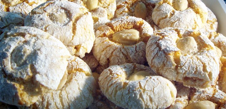Dolcetti in pasta di mandorla ottimi con caffè, thè o cioccolata calda ;) -> http://goo.gl/LQzfP2 #Molise #mangiareinmolise