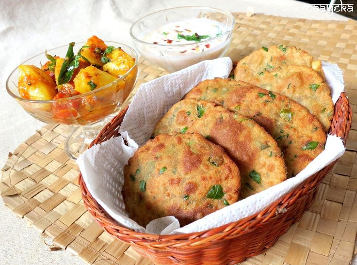 Authentic Indian Vegetarian Recipes: 'Methi-Bajra-Poori' / Pearl Millet Bread