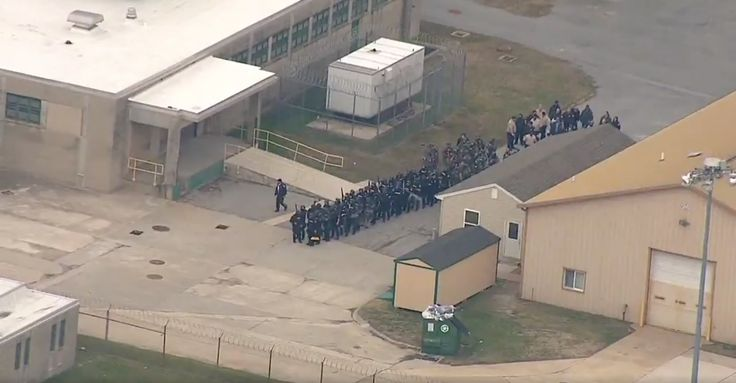 One prison officer dead after Delaware hostage situation: officials