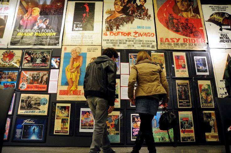 Un piccolo, straordinario museo straordinario che rischia di chiudere. è Fermo Immagine, il museo del manifesto cinematografico, aperto da poco
