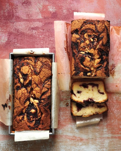 Blackberry-Swirl Pound Cake - This would be the perfect desert at a picnic