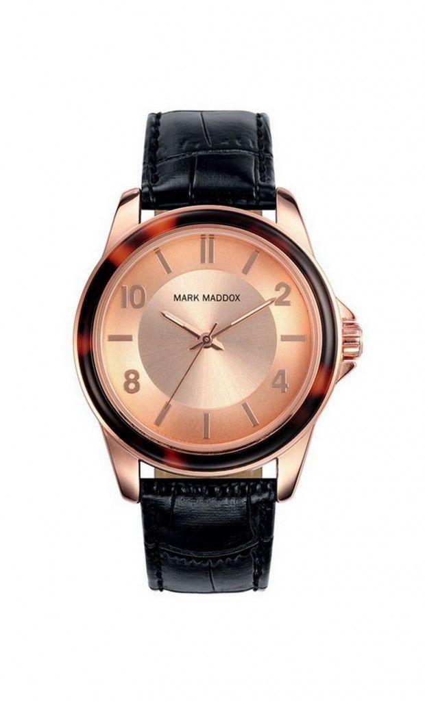 Resalta ante la multitud con este precioso modelo que traemos para ti. Reloj tres agujas con correa negra y esfera rosa. Cierre de hebilla. Cristal mineral. Impermeable 30m (3ATM).