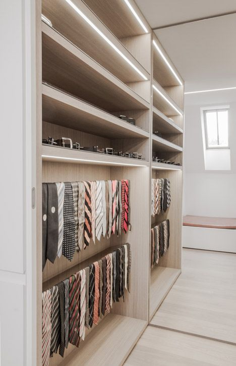 Closet in A MINIMALIST HAVEN BY CONTEKST - Photo: Nils Van Brabant