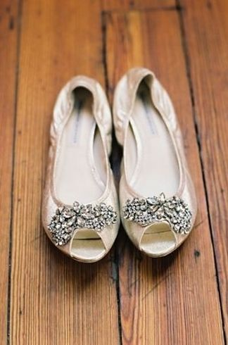 You'll need 3 pairs of shoes for the wedding. Slippers : get ready. Heels : ceremony. Flats : dancing!!
