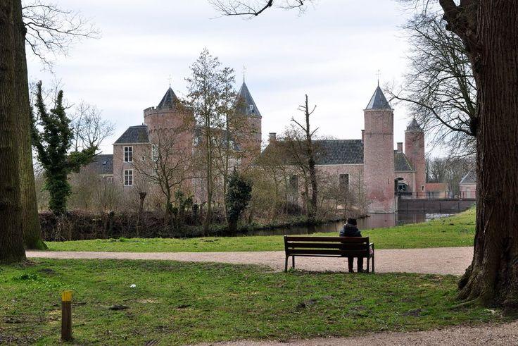 kasteel Westhove tussen Domburg en Oostkapelle
