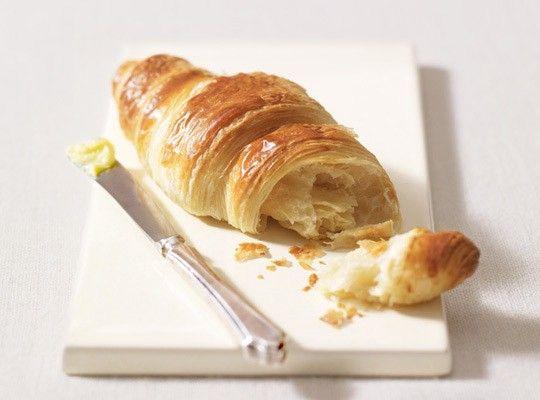 Máte chuť na něco křehkého? Máslový croissant je v tom případě perfektní!