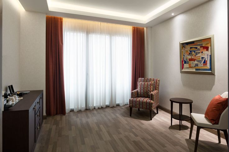 216 modernly equipped rooms and suites, tastefully decorated in an elegant, modern style with wooden floors and warm tones will leave you wanting for nothing more!