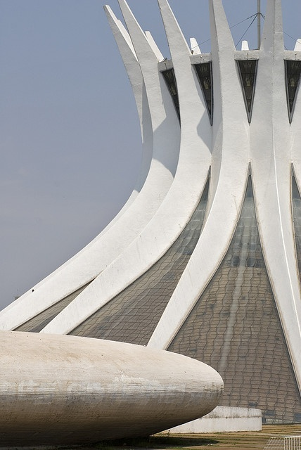 Cathedral of Brasilia Catedral Metropolitana Nossa Senhora Aparecida :: Oscar Niemeyer