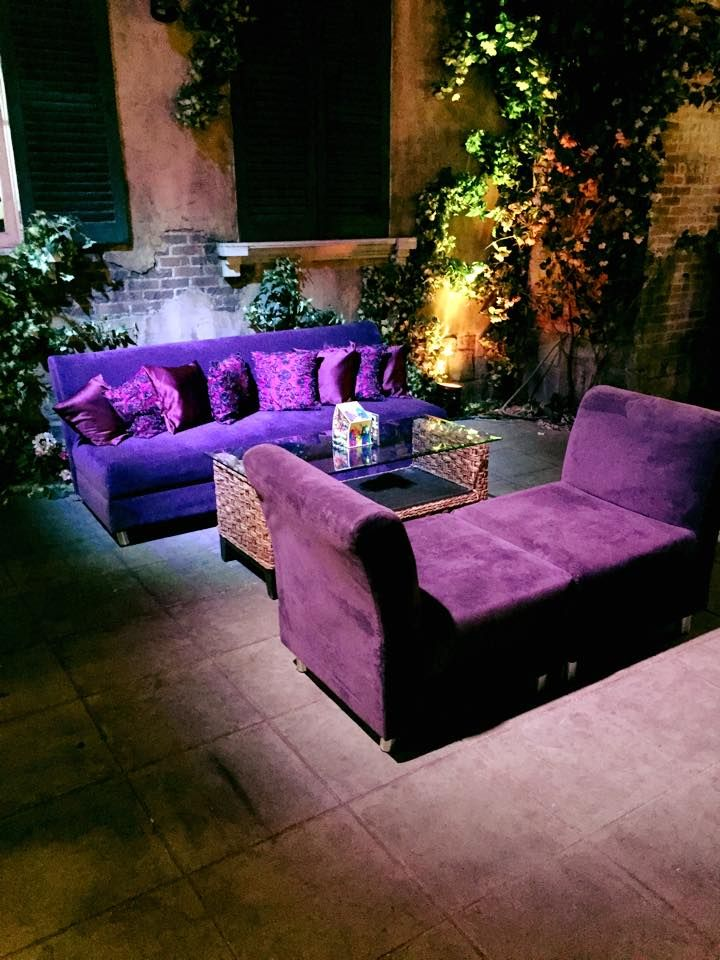 We LOVE that lounges are trending in both corporate events, along with weddings. The jewel toned pillows are so cozy and welcoming!