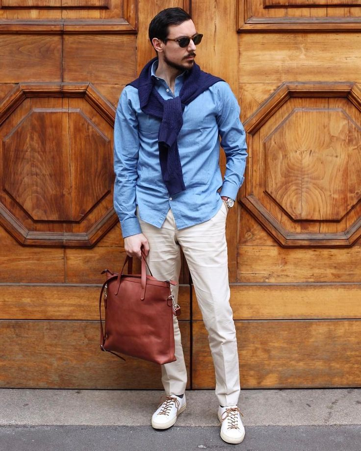Once again Aleks shows us how the perfect combination of style and class. Thank you @aleksjj. With our Tote Duke in oxblood.