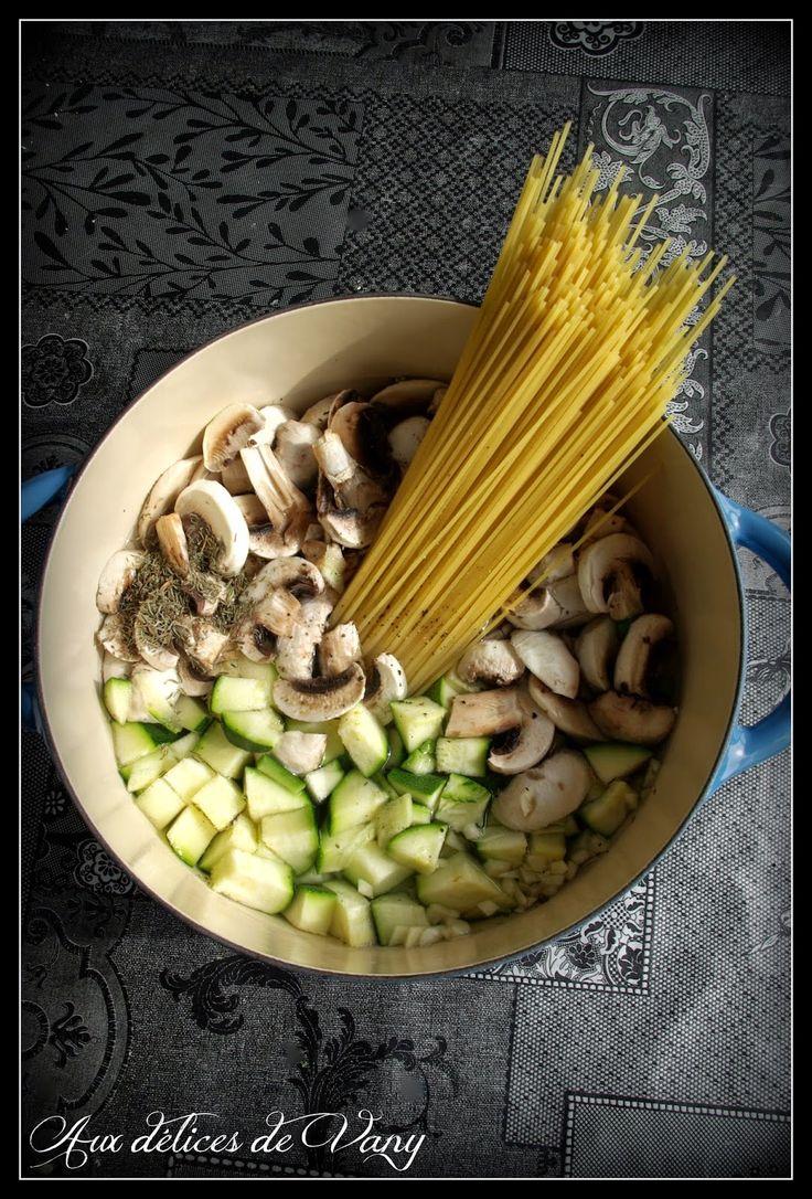 Aux délices de Vany: One pot pasta courgettes, champignons & petits pois