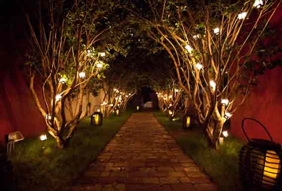 Experience the Italian Riviera without leaving the East Coast! Tosca Miami features an unbeatable Mediterranean vibe that sets the stage for romance. Replicating a 1950's feel, Tosca Miami's décor features an antique telescope for star-gazing, a two person movie theatre, and a Juliet Wall—like the famous one in Verona. What's more, guests can write their letters to Juliet, asking their questions about love and happiness. #luxury