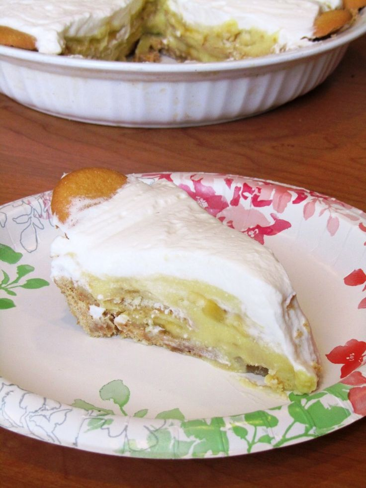 Banana Pudding Pie. The crust was amazing! However I made the pudding ...