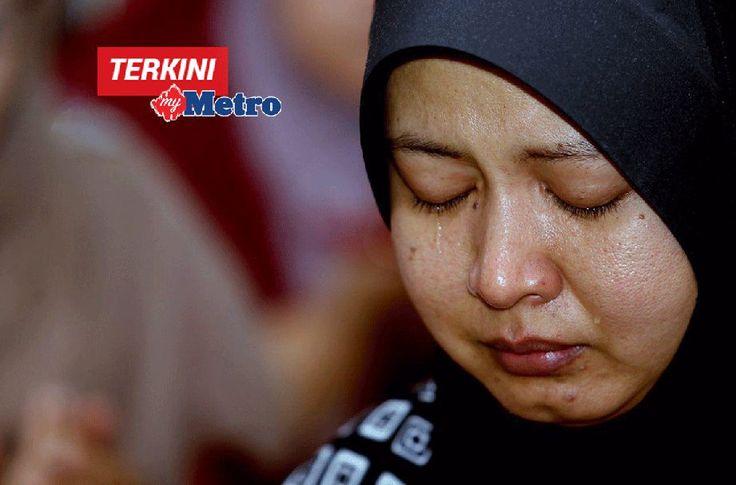 Isteri mangsa go-kart Siti Suhaiza Seman mahu tuntut bela atas kematian suami dan anak   Mangsa kemalangan dalam Pertandingan Automotif dan Inovasi Pendidikan 2016(EIMARACE 2016) Siti Suhaiza Seman 38 berharap kematian suami Izwan Isa 39 dan anaknya Nurzulaikha 5 diberikan keadilan sewajarnya.  Cari keadilan untuk saya dan mereka  Siti Suhaiza Seman  Cari keadilan untuk saya dan mereka  Siti Suhaiza Seman  Guru Sekolah Menengah Kebangsaan Indera Mahkota Utama itu berkata pihak berkuasa perlu…