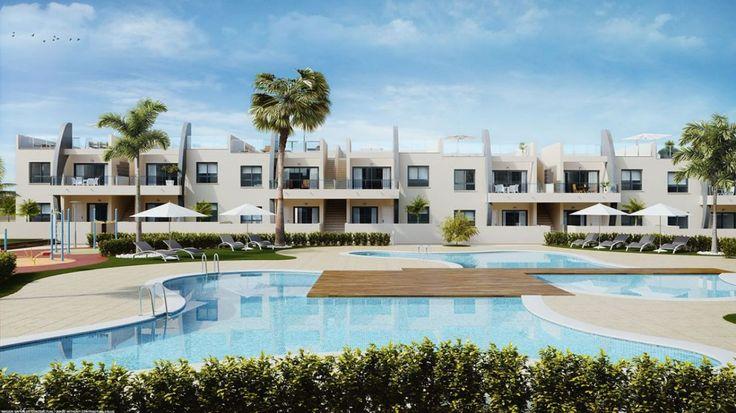 Lägenhet i Pilar de la Horadada – området PUEBLO LATINO, 77 m2 yta, 66 m2 terrass (SOLARIUM), 200 meter tillstranden, 2 dubbelrum, 2 badrum, fastighet under uppförande.