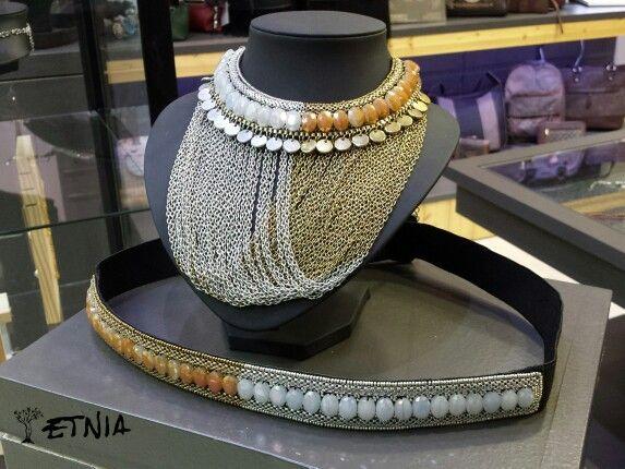 Oro y plata Etnia. Combinación de collar y cinturón.
