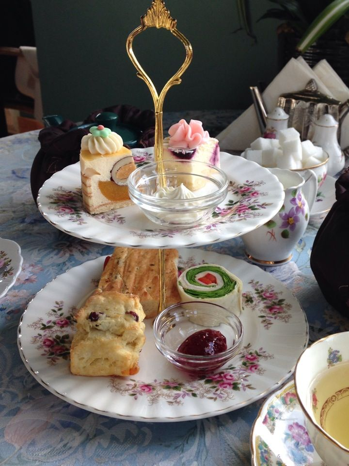 La petite cuillère is a tea room which serves premium loose leaf tea and a selection of sweet and savoury finger foods, as well as other menu items.