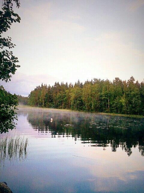 Levollinen järvimaisema