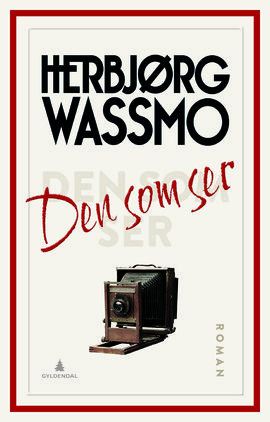 Herbjørg Wassmo (74) er tilbake med en fjerde bok i serien om Dina, og når Wassmo svinger seg rundt, tar stoffet tak og jorden rister.