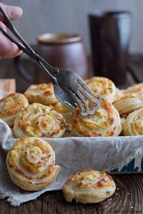 Pinwheels with cheese and ham filling • Käse-Schinken-Blätterteigschnecken