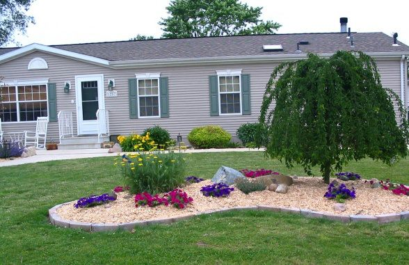 Best 25 mobile home landscaping ideas on pinterest for Great landscaping ideas