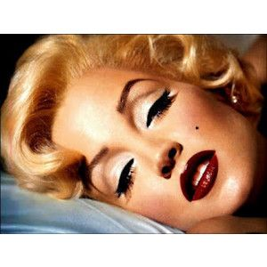 Marilyn Monroe. 1950's Fashion amazing, beautiful makeup
