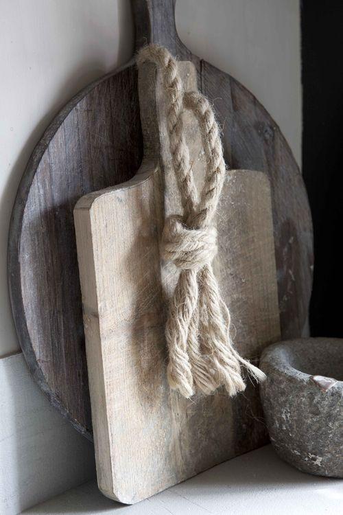 Landelijke keuken accessoires. Deze dienbladen zijn ideaal om bijvoorbeeld een kaasplankje met glas wijn op te serveren!
