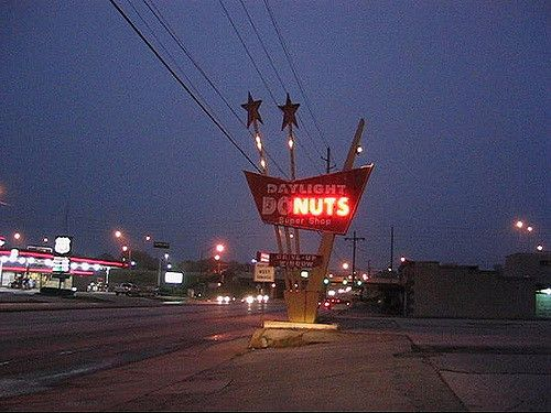 Daylight Donuts Super Shop (formerly Shaw's Drive-in) near 31st and Yale in Tulsa, OK. Shaky hand-held footage of neon sign from a few years back.