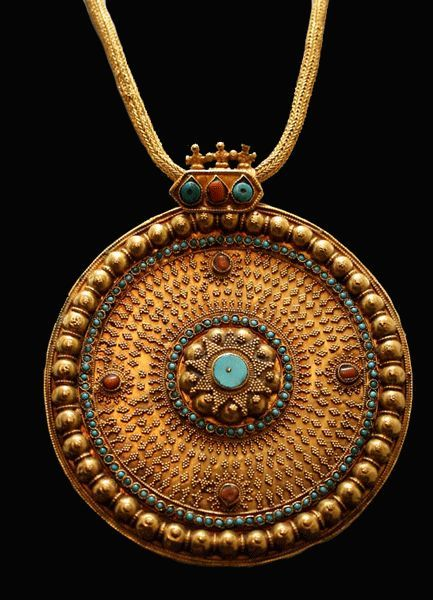 """Ottoman Gold Necklace with Inlaid Pendant, Turkey, c. 13th-16th Cent. AD. The roots of the Ottoman Empire can be traced back to the migration of Turkic tribes from Central Asia into Anatolia."