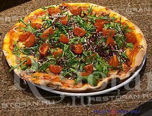 """Предлагаем вашему вниманию рецепт вегетарианской пиццы от ресторана """"Бокончино"""". Именно в этом ресторане готовят лучшие пиццы в городе!"""