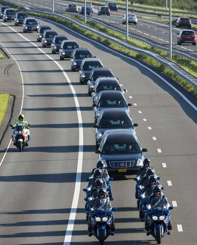 Eerbetoon Slachtoffers MH17. Had nooit mogen gebeuren!!!, diep en diep triest.