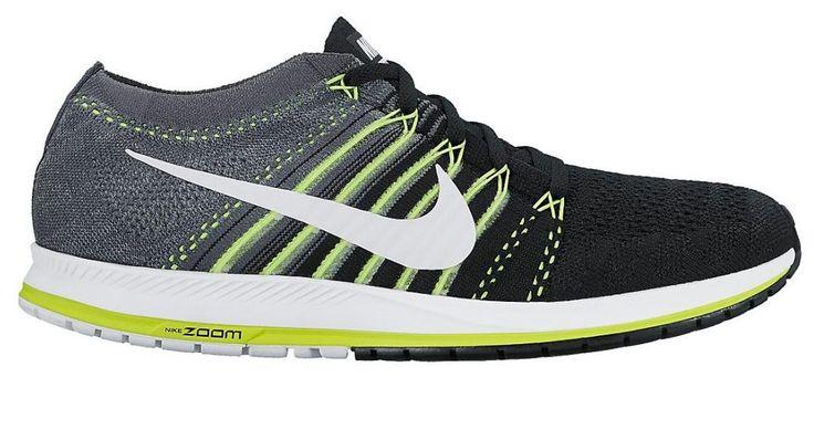 Las nuevas zapatillas de running Nike Zoom Flyknit Streak para hombre son ligeras y transpirables y presentan una amortiguación localizada para una sensación suave y sin esfuerzo bajo el pie. Han sido creadas para el disfrute del running y ofrecen una pisada impecablemente suave y un ajuste casi imperceptible, como una segunda piel.