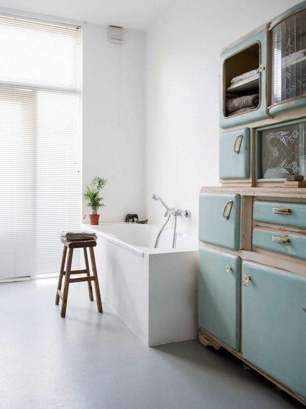Bathroom details | Photography Louis Lemaire (insidehomepage.com) | Styling Susanne Kennedy | Text Liselotte Flu, Monique van der Pauw | vtwonen 1-2016